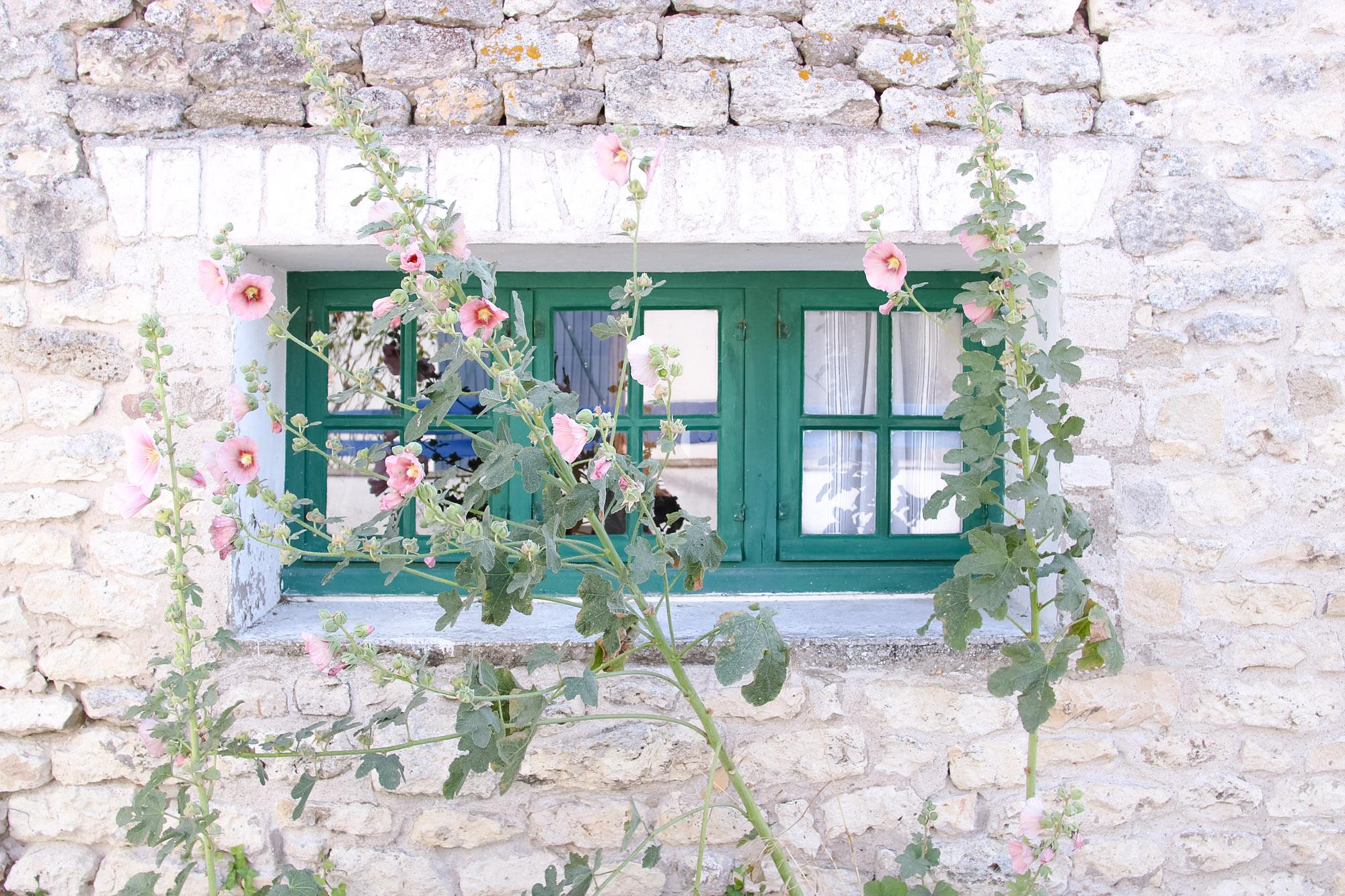Elodie-Blog-village-arceau-fenetre