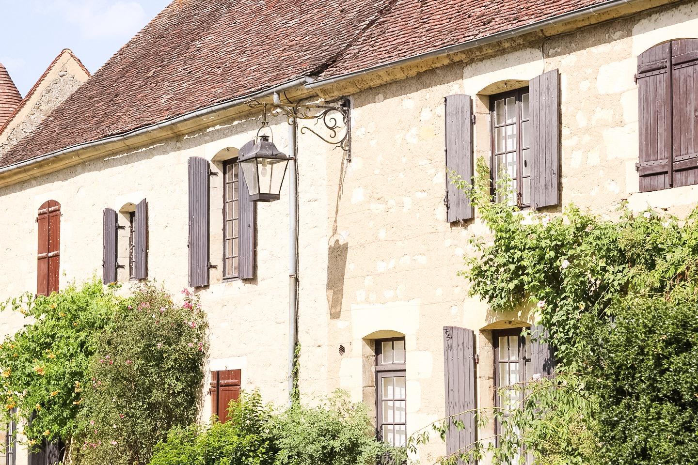 elodie-blog-sur-la-nationale-7-apremont-sur-allier-facade